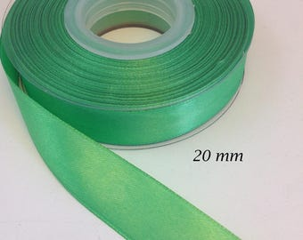 Iridescent 20 mm - bright green satin ribbon