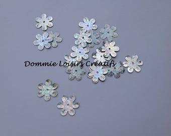 15 mm Plastic iridescent silver sequins