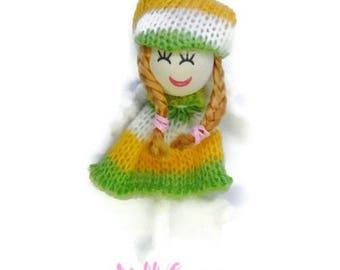 X 1 embellishment scrapbooking cardmaking 10 wool doll *.