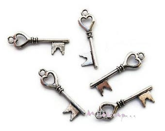Set of 5 small keys scrapbooking embellishment silver heart charm *.