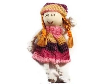 X 1 embellishment scrapbooking cardmaking 5 wool doll *.