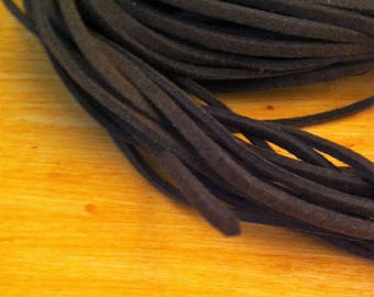 cord of 1 meter chocolate brown suede for creative arts