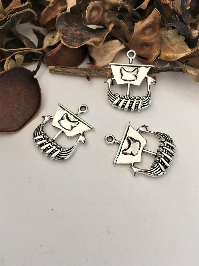 5 silver-plated DRAKKARS charms pendants Viking pirate ship for themed creations