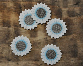 Set of 15 subjects wooden - blue flower decoration