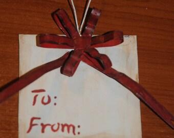 """Christmas ornament: """"gift tag"""" pendant"""