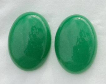 Green agate 25 x 18 x 7 mm, set of 2 cabochons