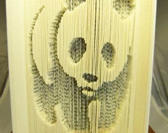 """Sculpture sur livre """"Panda"""""""