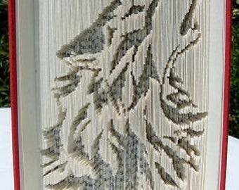 """Sculpture sur livre """"Loup"""""""