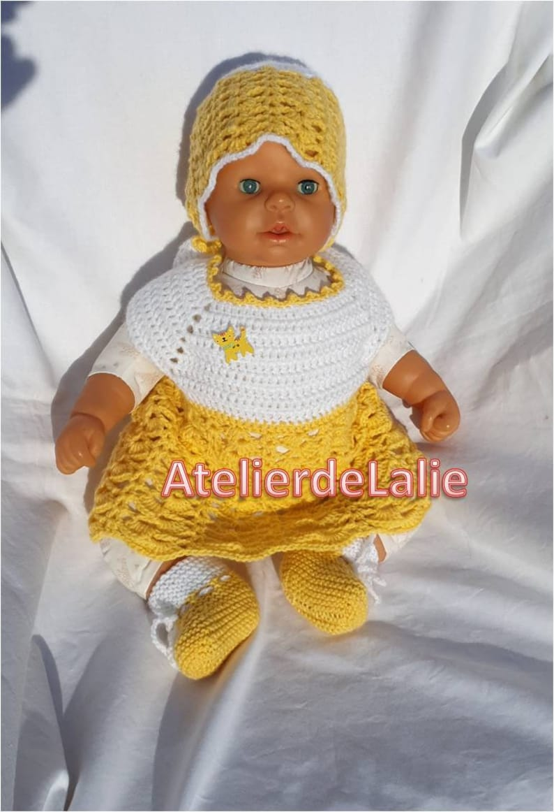 white and yellow hat and slippers size 0-3 months handmade Bra or dress