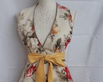 Floral apron, Ladies Roses apron, Handmade apron,