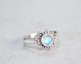 Star Burst Rainbow Moonstone Ring • 925 Sterling Silver