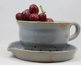 Ceramic Berry Bowl with Tray and Handle