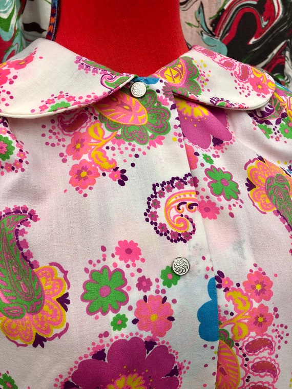 1960's bright paisley Peter Pan collar smock dress - image 3