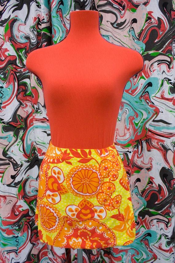 Amazing!! 1960s psychedelic micro mini skirt