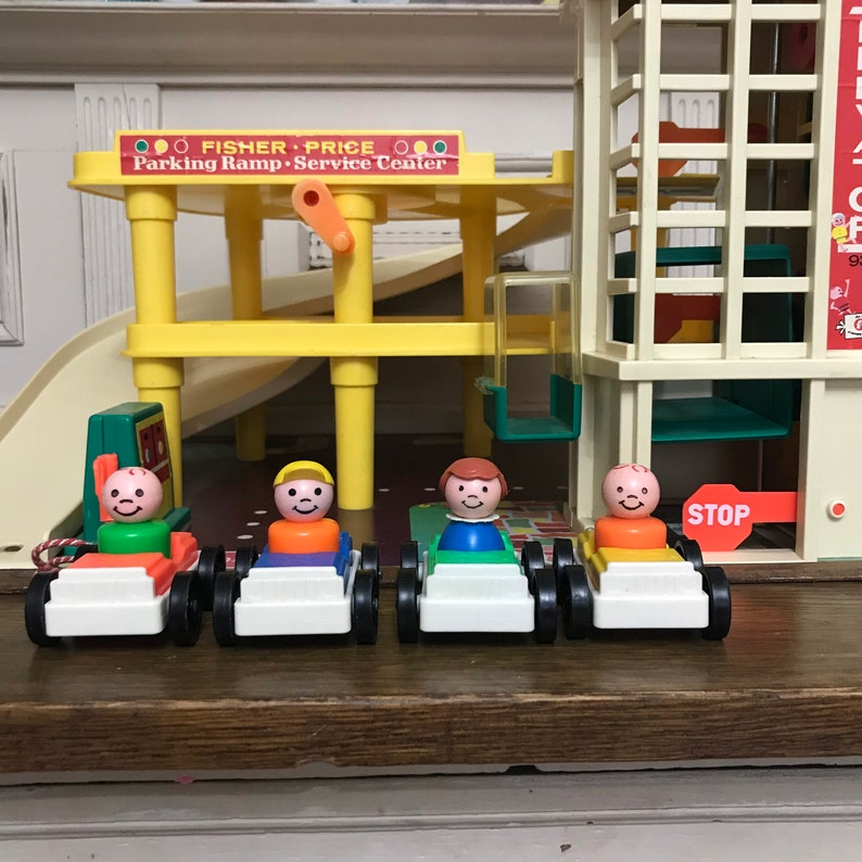 Complete Made in Great Britain Fisher Price Service Station Vintage Fisher Price Play Family Action Garage # 930