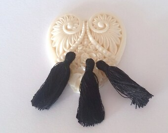10 tassels fringed black 30 mm (A 32)