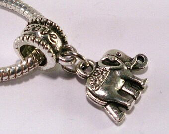 4 beads European antique silver elephant (40th)