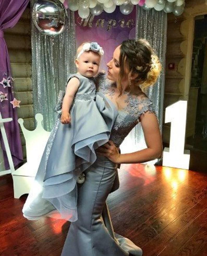 ef2d907785aaa Maman et moi les robes grise acier maman et bébé robes enfant