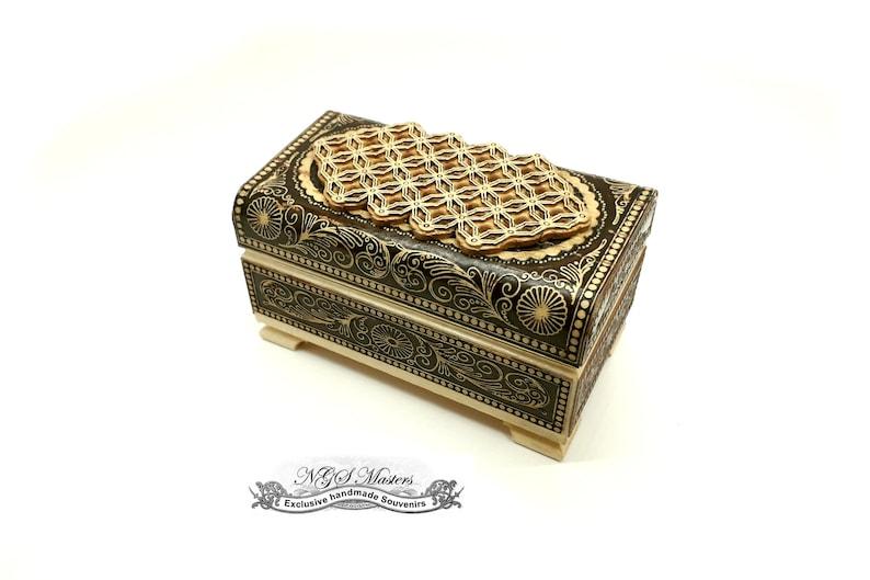 Handmade from birch bark. GARDARIKA jewelry box