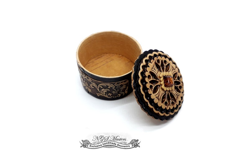 PRINCESS BALTIC jewelry box Handmade from birch bark.