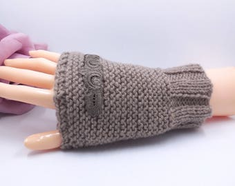 Wrist warmers gloves hand knitted Brown sleeves - taupe lace Application