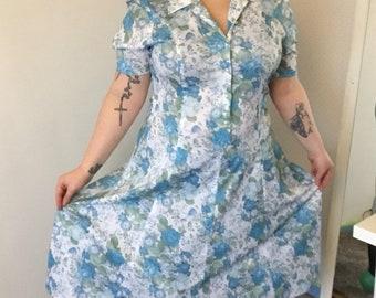 ae1f61af4c55 Vintage floral tea dress blue white collar size 16 button down made in  england landgirl WWII Wartime dress summer garden party volup