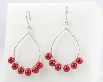 Drop beaded earrings metallic red.