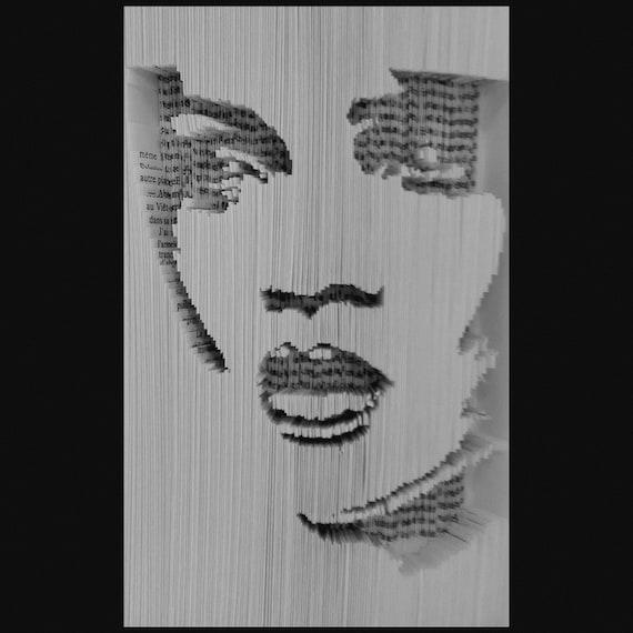 Livre Plie Decoupe Rihanna