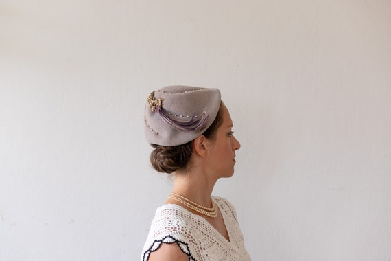1930s Dust Pink/Lilac Pearls & Feathers Hat | Vint