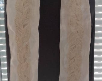 Chic satin scarf with crochet pattern