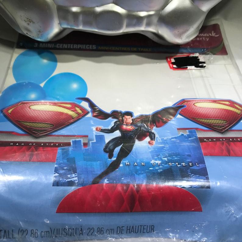 Superman Centerpiece Wilton Cake Pan Hallmark DC Comic Super Hero Party Centerpiece