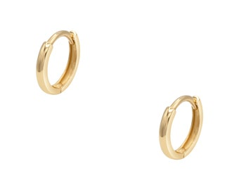 ERIN 14K Small Classic Huggie Hoop Earring // SOLD INDIVIDUALLY // 10mm Clicker Ear Hoop, Recycled Gold, Gift Idea For Her
