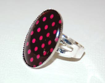 "Cabochon ring - printed ""peas are pink"""