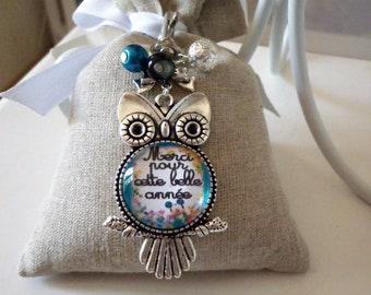 "Bag charm or Keyring, ""thank you for the new year"" on OWL image glass cabochon"