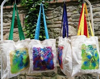 b1855afa74 Shoppers, borse dipinte e ricamate a mano