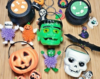 NEW! Toy Inside Surprise Halloween Dunker Bucket Spooky Bath Bombs   2.5-3 inches Depending on Style