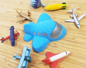 NEW! Airplane Bath Bomb with Surprise Aviation Toy Inside For Kids   Childrens Bath Bomb
