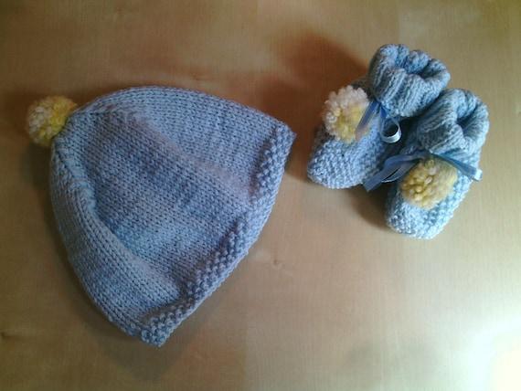 completo lana neonato azzurro berretto e scarpine con pompon  06db0793790b