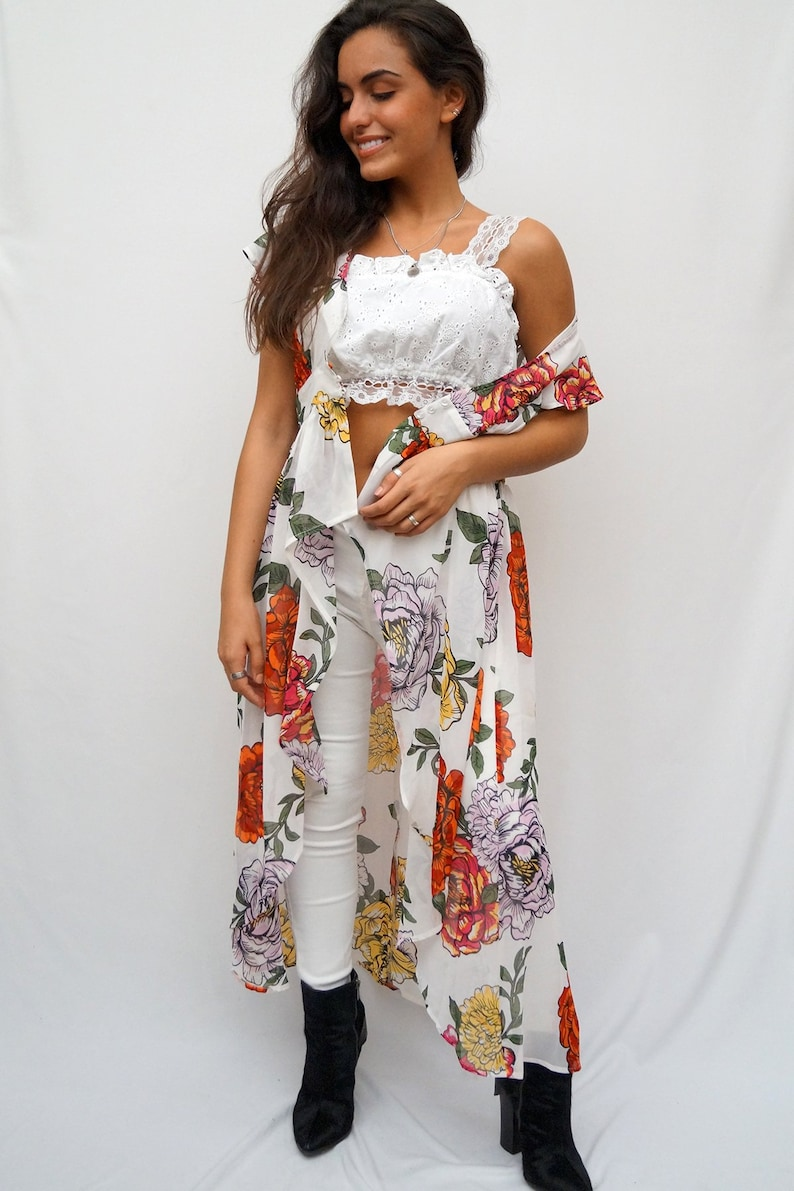 LIVE4TRUTH White Exaggerated Multi Color Floral Print Short Sleeve Duster Cardigan
