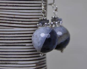 """Selene"" agate quartz and Labradorite earrings"