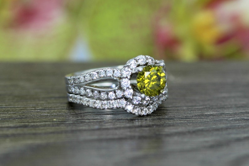 Proposal,Love and Friendship Ring Promise Anniversary Peridot and Diamond Stimulant Silver Engagement Ring Set-Wedding Art Deco Halo 1Ct