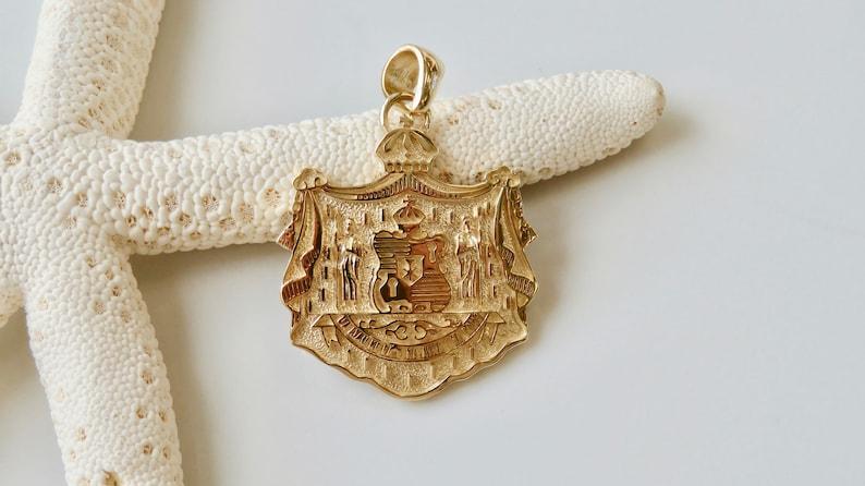14 Karat Solid Gold Hawaiian Coat of Arms Pendant  image 0