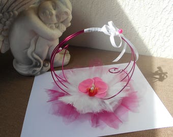 Fuchsia with Orchid and white ring bearer