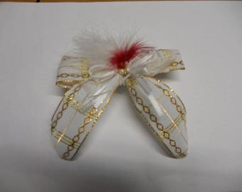 White and gold hair clip