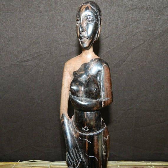 Statua di donna in ebano due colori nero e marrone. Altezza 35 cm