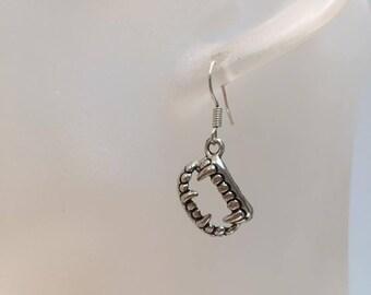 Vampire teeth charm earrings