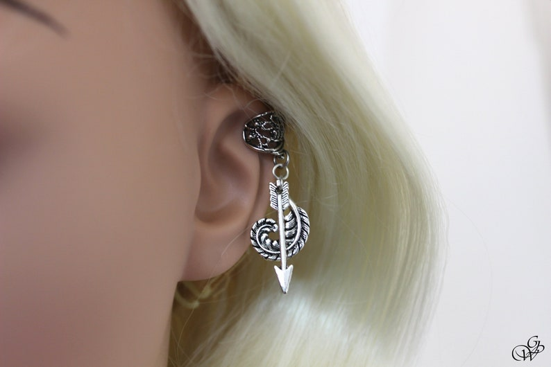old silver Ear cuff vintage Arrow and feather