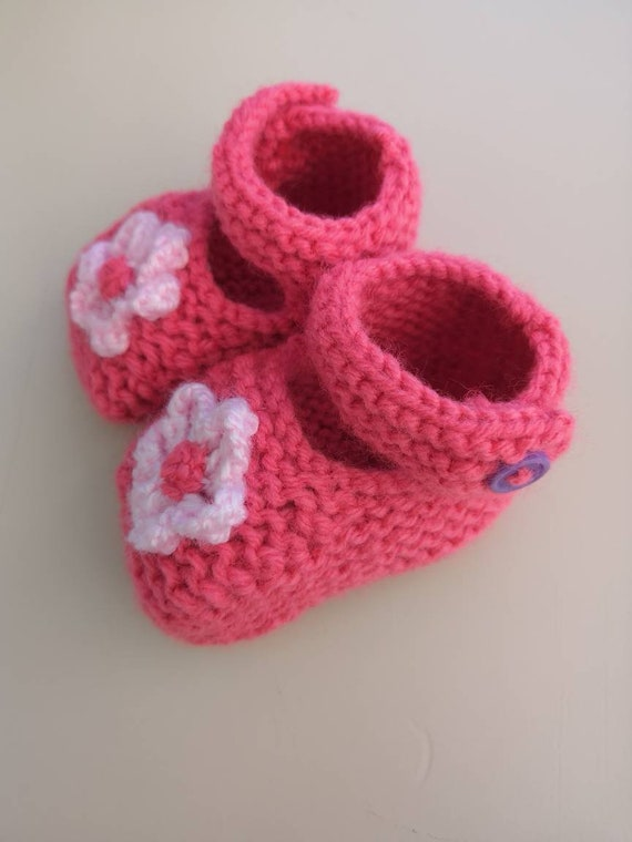 New Baby  Booties  BORN IN 2019 0-3 Months  Hand Knitted By Annie