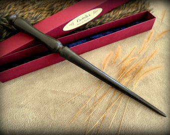 Wand Wizard, hand carved African Samba wood: family - with original maroon box.