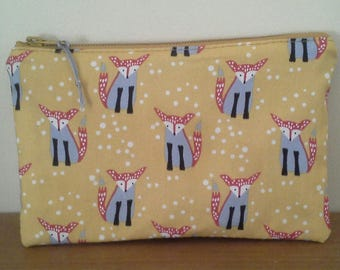 Pouch/school mustard printed flannel lined foxes.